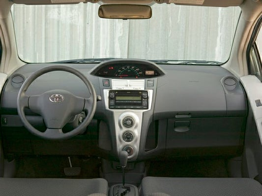 2008 toyota yaris hatchback battery size